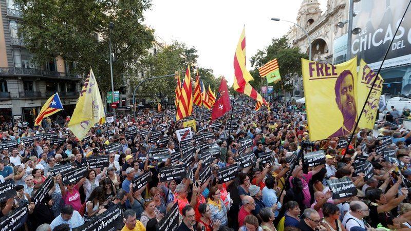 Manifestantes en Barcelona contra la sentencia