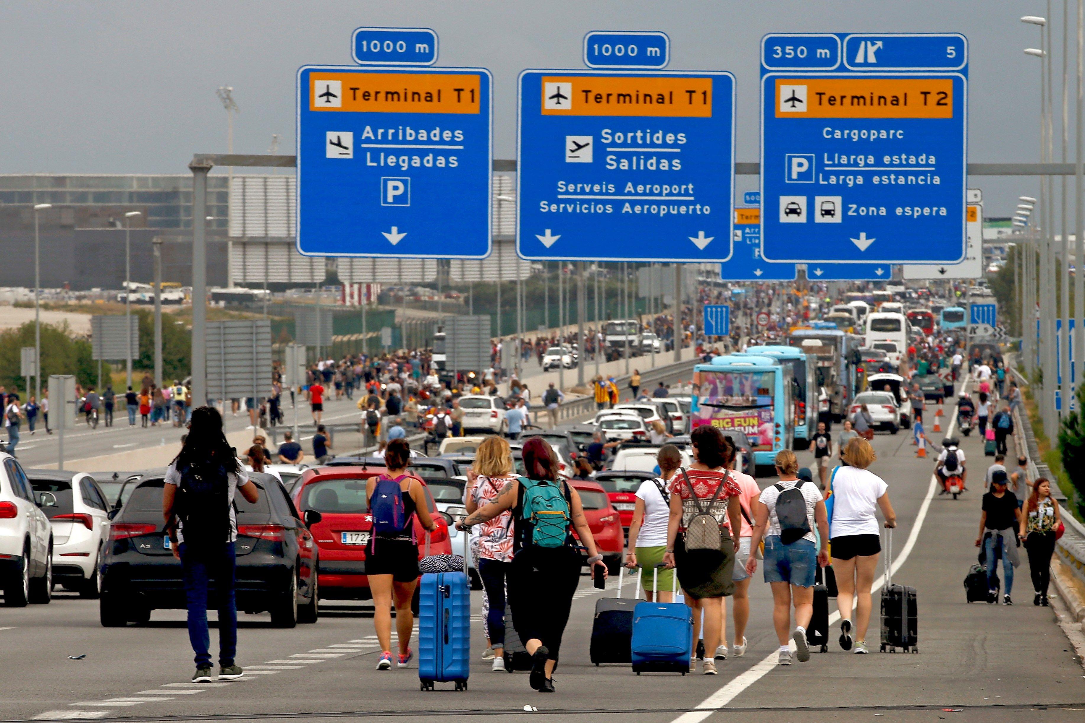 Activistas independentistas llaman a paralizar el Aeropuerto de El Prat