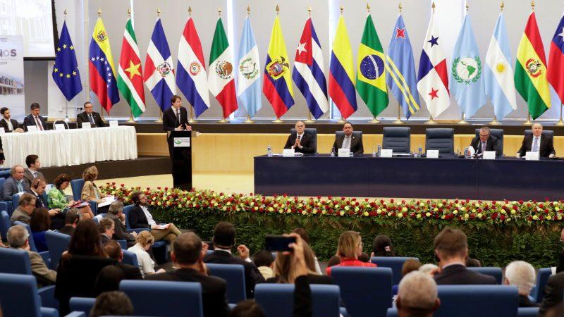 Plantean en EuroLat retomar la Cumbre UE-Celac y defender el multilateralismo