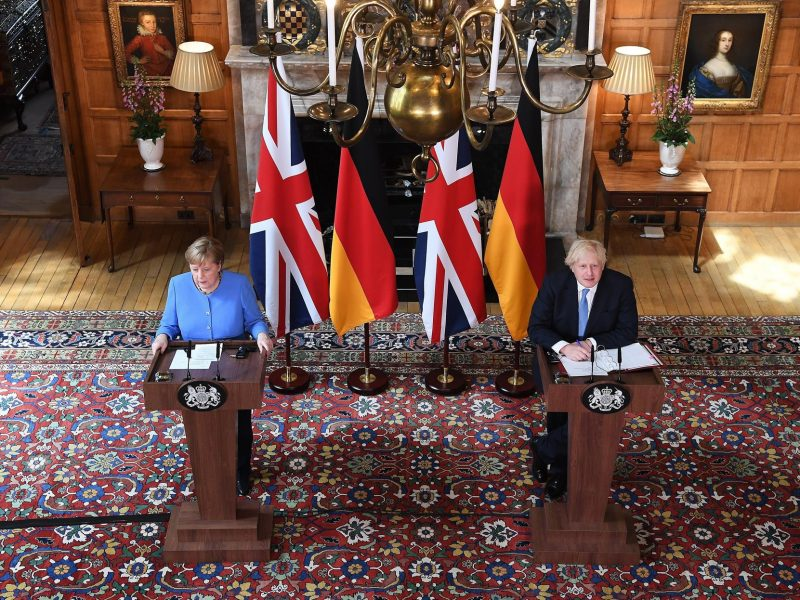 Merkel y Johnson
