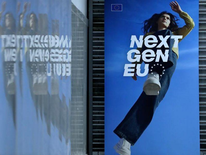 Alt-Cartel-de-NextGenerationEU-en-Bucarest.-EFE-EPA-Robert-Ghement.Archivo.jpg