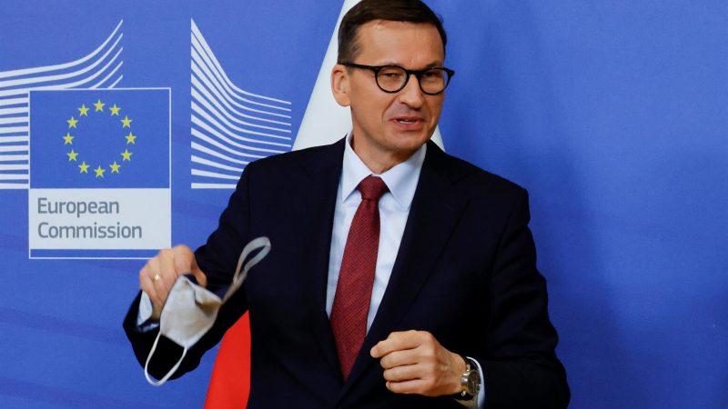 Alt-El-primer-ministro-polaco-Mateusz-Morawiecki-en-una-fotografia-de-archivo.-EFE-EPA.PASCAL-ROSSIGNOL.jpg