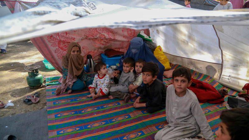 Alt-Ninos-agfanos-en-un-campamento-de-refugiados-en-Kabul-en-una-imagen-de-archivo.-EFE-EPA-STRINGER.jpg