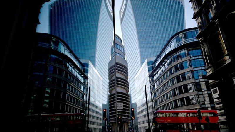 Alt= Vista del distrito financiero de la ciudad de Londres en Inglaterra,Reino Unido. EFE/EPA/NEIL HALL/Archivo La cartera inmobiliaria secreta en el Reino Unido supera los 4.000 millones de libras