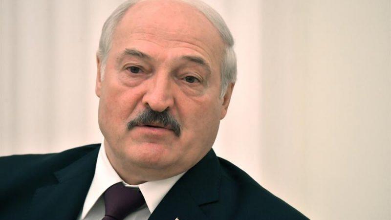 Alt=El presidente de Bielorrusia, Alexander Lukashenko, el pasado 9 de septiembre de 2021. EFE/EPA/MIKHAIL VOSKRESENSKIY / KREMLIN POOL / SPUTNIK/Archivo