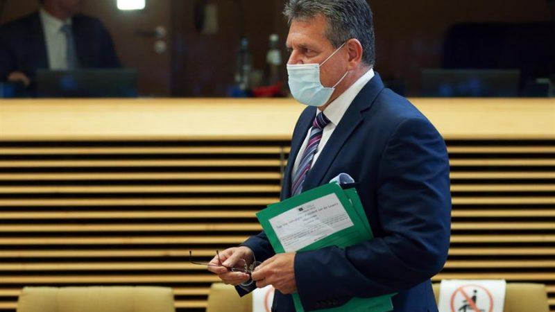 Alt=El vicepresidente de la Comisión Europea para Relaciones Interinstitucionales, Maros Sefcovic. EFE/EPA/FRANCOIS WALSCHAERTS / POOL/Archivo El Gobierno de coalición norirlandés, dividido ante la mano que tiende la UE