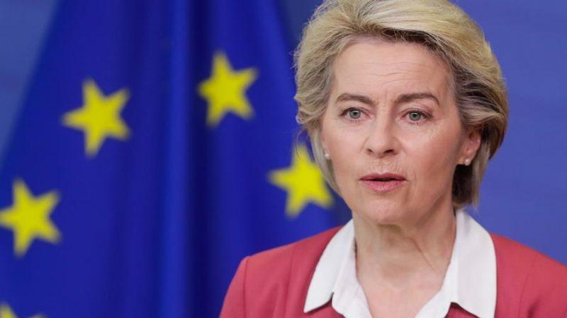 Alt=La presidenta de la Comisión Europea,Ursula von der Leyen, en Bruselas.EFE/EPA/STEPHANIE LECOCQ / POOL/Archivo La Comisión Europea usará todos sus «poderes» para defender la primacía del Derecho europeo
