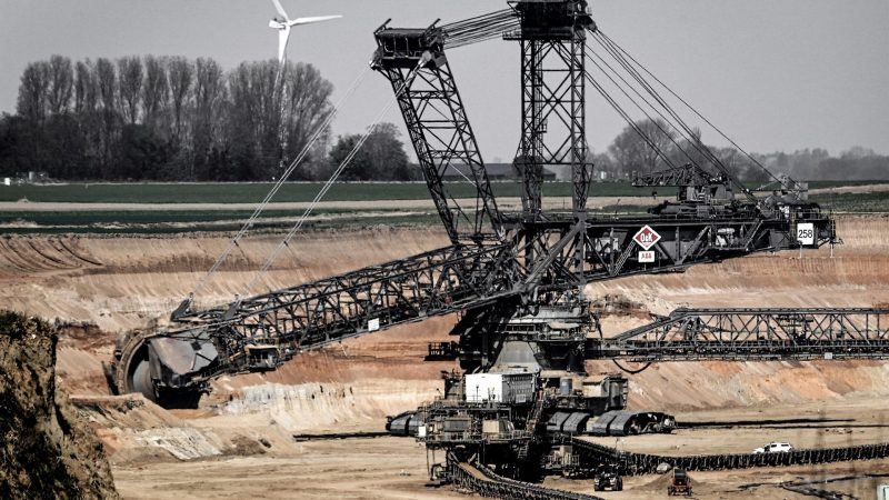 AltUna-mina-de-carbon-en-Alemania-en-una-fotografia-de-archivo.-EFE-EPA-SASCHA-STEINBACH.jpg