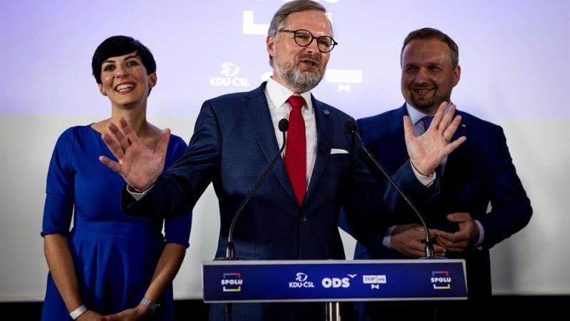 Alt =Petr Fiala (C), líder de la coalición de centro derecha SPOLU. EFE/EPA/STRINGER